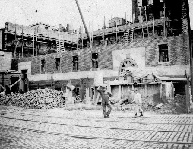 Construction of the Elizabeth Peabody House c.1911 - 357 Charles Street